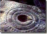 Os petroglifos.
